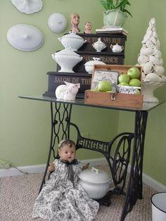 die 48 besten bilder von deko alte n hmaschine. Black Bedroom Furniture Sets. Home Design Ideas