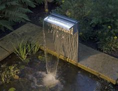 Fontaine lame d'eau pour jardin zen http://www.m-habitat.fr/amenagement-de-jardin/amenagement-paysager/notre-selection-des-plus-belles-fontaines-30_R?&image=2