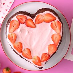 Start with our recipe for a classic fudge brownie, then add homemade strawberry whipped cream, fresh strawberries and you have the perfect Valentine's Day dessert! This layered brownie cake tastes just like your favorite chocolate covered strawberries! Valentine Desserts, Valentines Day Food, Valentines Baking, Valentine Cake, Valentines Recipes, Valentines Breakfast, Homemade Valentines, Kreative Desserts, Homemade Desserts