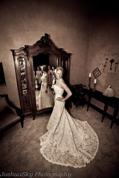 Strapless lace mermaid style wedding gown | Joshua Sky Photography | villasiena.cc