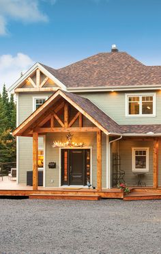 LP CanExel prefinished siding features expertly crafted colours and a signature wood-grain texture for unrivaled beauty. House Siding, House Paint Exterior, Building Exterior, Exterior House Colors, Siding Colors, Roof Colors, Colours, Cottage Interiors, Cottage Homes