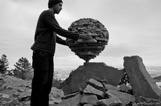 Focus sur le travail de l'artiste Michael Grab, du pur landart où l'artiste n'utilise que patience et sens de l'équilibre pour réaliser ses œuvres éphémères