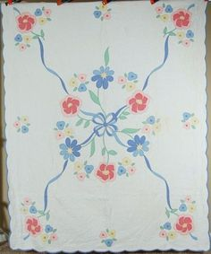 NICELY QUILTED Vintage 30's Blue Ribbon & Flowers Applique Antique Quilt! Easy Hand Quilting, Hand Quilting Designs, Quilting Projects, Antique Quilts, Vintage Textiles, Vintage Quilts, Hand Applique, Flower Applique, Applique Ideas