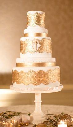 Gorgeous Metallic Wedding Cake Gatsby Wedding, Art Deco Wedding, Mod Wedding, Wedding Cake Designs, Cake Wedding, Wedding Blog, Wedding Collage, Gatsby Theme, Cream Wedding