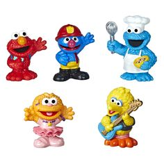 Sesame Street Neighborhood Friends Includes 5 Figures, Classic Collectibles Pack for Toddlers, Great Toy for Kids 18 Months and Up Toddler Preschool, Toddler Toys, Baby Toys, Kids Toys, Sesame Street Characters, Oscar The Grouch, Toys R Us Canada, Sesame Street Birthday, Big Bird