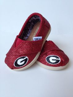 Now if I could only get these for purdue Custom Tiny TOMS - University of Georgia. Georgia Girls, Georgia On My Mind, Tiny Toms, Athens Georgia, University Of Georgia, Georgia Bulldogs, Baby Time, Jordan, Future Baby
