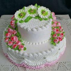 Buttercream Cake Designs, Cake Icing, Fondant Cakes, Cupcake Cakes, Cupcakes, Cake Decorating Designs, Cake Decorating Techniques, Pretty Cakes, Beautiful Cakes