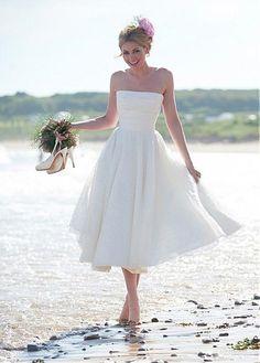 Buy discount Elegant Polka Dot Tulle Strapless Neckline Tea-length A-line Wedding Dress at Laurenbridal.com