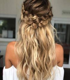 [bridesmaid hair]