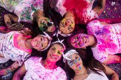 color war, holi powder, color run, holi paint powder, holi powder fight, paint fight, senior models, senior reps, seniors, follow and repin ikeandtash.com Color Fight, Holi Photo, Paint Fight, Color Wars, Holi Powder, Holi Colors, Powder Paint, Happy Holi, Foto Tumblr Sola