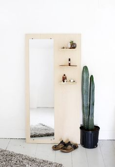 Instead of the shelves some hooks for jewlery would be perfect. DIY Plywood Floor Mirror With Shelves Design Case, Wall Design, House Design, Cheap Home Decor, Diy Home Decor, Diy Interior, Interior Design, Natural Interior, Cafe Interior