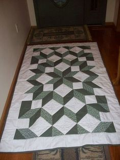 Carpenter Star Lap quilt by NIICHMOM from the quiltingboard.com