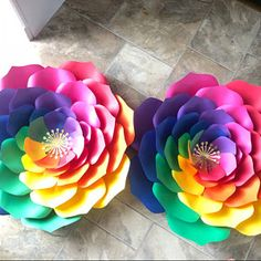 Veronica Swan added a photo of their purchase Tissue Paper Flowers, Paper Flower Wall, Flower Wall Decor, Flower Decorations, Pom Pom Crafts, Flower Crafts, Giant Paper Flowers, Diy Flowers, Diy Paper