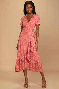 With these 18 rehearsal dinner dress ideas, you'll look like a million bucks without spending it. These rehearsal dinner dresses come in so many colors and patterns and can easily be dressed up or down depending on the venue and vibe of the event. #weddingguestdress #weddingguestoutfit #rehearsaldinnerdress #dressestoweartoawedding #southernliving Rehearsal Dinner Dresses, Backless Maxi Dresses, Jacquard Dress, Jacquard Fabric, Green Midi Dress, Midi Cocktail Dress, Event Dresses, Mob Dresses, Wrap Dresses
