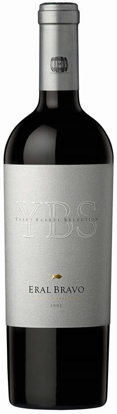 """""""Year's Barrel Selection (YBS)"""" 60% Malbec/ 30% Cabernet Sauvignon / 10% Syrah 2009- Bodega Eral Bravo, Luján de Cuyo, Mendoza----------------------- Terroir: Ugarteche Crianza: 16 meses en barricas de roble francés nuevas"""