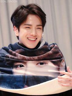 Love that smile :* Kim Young, Hyun Jae, Boy Idols, Taehyung, Cool Face, Fandom, Korean Celebrities, Chef, Kpop Boy
