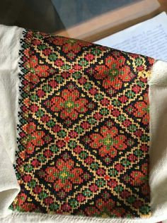 Cross Stitching, Cross Stitch Embroidery, Embroidery Patterns, Cross Stitch Designs, Cross Stitch Patterns, Palestinian Embroidery, Ukrainian Art, Folk Fashion, Pattern Fashion