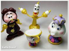 Personagens do desenho A bela e a Fera. Pode ser usado como lembrancinhas, topo de bolo e ainda como enfeite de mesa.  O VALOR REFERE-SE A UNIDADE R$ 5,00