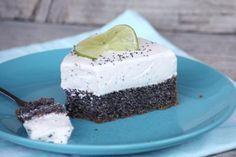 Makovo - smotanová nízkosacharidová torta - recept postup 2 Diabetic Recipes, Cooking Recipes, Healthy Recipes, Sweet Desserts, Sweet Recipes, Keto Cake, No Bake Cake, Food And Drink, Low Carb