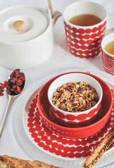 Marimekko Oiva tableware & iittala cutlery & iittala kastehelmi plate — available at Corifeo Brasschaat — www.corifeo.be