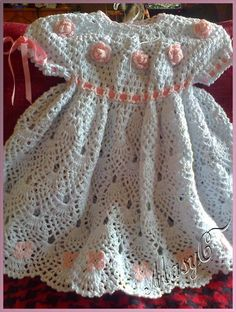 detalles del vestido bebita