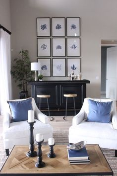like neutral + accent pillows