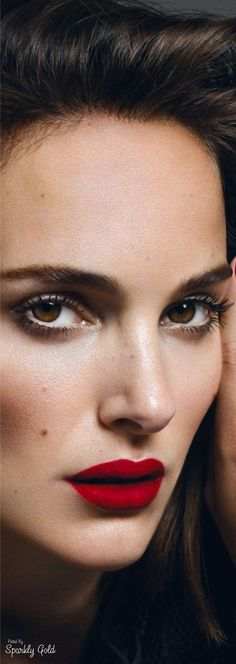 MAKEUP + Look in the eyes Natalie Portman