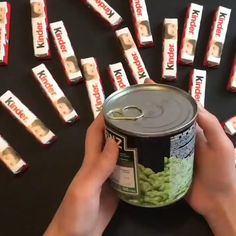 Diy Crafts Hacks, Diy Crafts For Gifts, Fun Crafts, Paper Crafts, Diy For Kids, Crafts For Kids, Candy Bouquet Diy, Gift Wrapping Techniques, Flower Box Gift