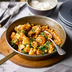 Cauliflower and chick pea tikka masala - very quick, easy & delicious!