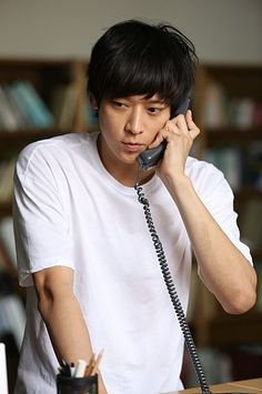 "STILLCUT // Kang dong won. He is unique. ""Not try to be cool"" person. That's make him has strong character. But He is too skinny. But I like him. Versi gantengnya mas Ihda"