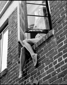 Black and White Photography of Women: How Take Beautiful Pictures – Black and White Photography Black White Photos, Black N White, Black And White Photography, Photography Women, Street Photography, Arte 8 Bits, Photographie Portrait Inspiration, Photoshoot, Pictures