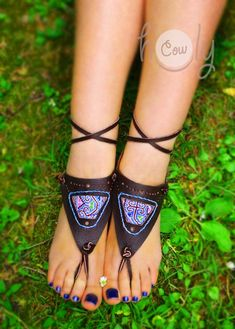 These might be very helpful in fooling the shoe police if you want to go barefoot & not get bothered. Yoga Sandals, Flat Gladiator Sandals, Bare Foot Sandals, Leather Sandals, Huarache, Beautiful Sandals, Custom Shoes, Barefoot, Leather Men