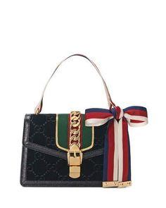V3WRZ Gucci Sylvie Velvet GG Supreme Crossbody Bag
