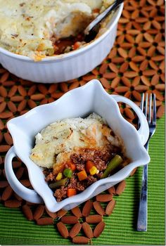 Shepherd's Pie with Healthier Mashed Potatoes That Actually Taste Good | iowagirleats.com