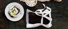 Saaristolaisleipä ja skagenröra ovat Vappu Pimiän joulusuosikkeja. Resepti: Vappu Pimiä Good Food, Veggies, Menu, Baking, Breakfast, Healthy, Recipes, Christmas Foods, Malaga