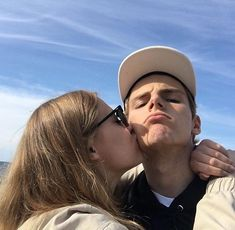 Find images and videos about couple, kiss and Relationship on We Heart It - the app to get lost in what you love. Relationship Goals Pictures, Cute Relationships, Couple Relationship, Boyfriend Goals, Future Boyfriend, Boyfriend Girlfriend, Cute Couples Goals, Couple Goals, Cute Couple Pictures