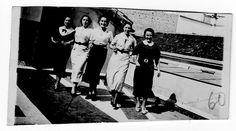 """Mujeres anónimas en la sección """"Albania"""", dentro de la carpeta de Alberto Kada. Probablemente amigas suyas. #Historia #History #SpanishCivilWar #GuerraCivilEspañola #BrigadasInternacionales #InternationalBrigades #España #Spain #GC #Albania #WomenInWar Albania, Concert, Social Stories, Trapper Keeper, Girlfriends, Faces, Women, Concerts"""