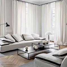 Appartement à Lyon 6ème Maison Hand @maison_hand_fr  #interiors #interiorstyling #instainterior #instainteriors #styling #interiordesign #decor #interiordecor #white #sergemouille #dcweditions #mantislamp #white #whitespace #floor #flooring #maisonhand