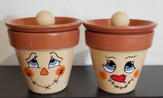 Clay Pot Projects, Clay Pot Crafts, Painted Clay Pots, Painted Flower Pots, Halloween Flowers, Clay Pot People, Weekend Crafts, Flower Pot Crafts, Bazaar Crafts