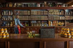 Specialty Food Shops - Chocolates, Bakeries and Coffee Shops
