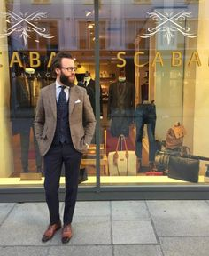 Ole-Christian at Scabal Heritage, Strandgaten 18 (Bergen) Mens Fashion Suits, Mens Suits, Mode Outfits, Fashion Outfits, Style Fashion, Fashion Sale, Paris Fashion, Fashion Fashion, Runway Fashion