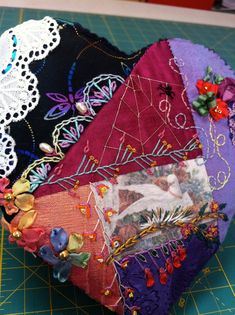 Patchwork Heart, Patchwork Quilt Patterns, Crazy Patchwork, Quilting Patterns, Crazy Quilt Stitches, Crazy Quilt Blocks, Crazy Quilting, Quilting Templates, Quilting Projects