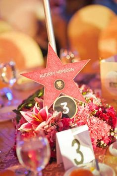 perfect for old-hollywood theme. I will definitely have stars similar to this at my wedding reception.