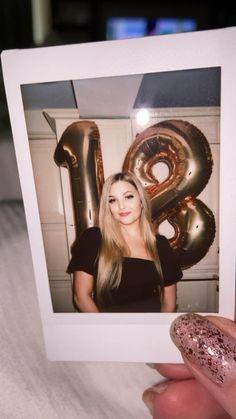 Cute Birthday Pictures, Birthday Photos, 18th Birthday Party Themes, Diy Birthday, Polaroid Camera, Polaroid Pictures, Birthday Photography, Summer Pictures, Apps