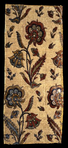 1st half 17 c., Iran. Fragment, velvet textile, silk and metal lamella spun around a silk core. H: 55, W: 23 cm. Inv. nr. 8/1986. According to old Islamic sources, velvets were made in various places in Iran as early as the 14th century. The oldest preserved Persian velvets, however, date to the Safavid period in the 16th century. They have an unbelievably high quality and a richness of color that was never found in corresponding Turkish textiles.
