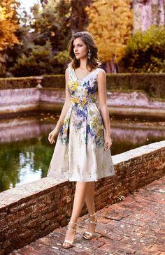 Madox The Wedding Room - Vestidos de Novia y de Fiesta Beige Dresses, Elegant Dresses, Cute Dresses, Beautiful Dresses, Casual Dresses, Dress And Heels, Dress Up, Skirt Fashion, Fashion Dresses