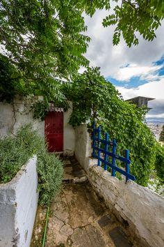 ~House in Anafiotika, Greece~Athens Attica Greece, Athens Greece, Santorini, Places To Travel, Places To See, Beautiful World, Beautiful Places, My Athens, Greek Isles