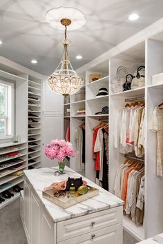 19 Luxury Closet Designs I seriously want fresh flowers in my walk in closet. first i need a walk in closet. Walk In Closet Design, Bedroom Closet Design, Master Bedroom Closet, Closet Designs, Master Suite, Wardrobe Design, Closet Walk-in, Closet Space, Closet Ideas