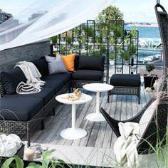 Ikea lounge-set buiten tuin