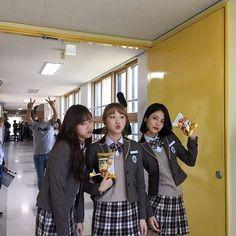 Best Friend Pictures, Friend Photos, Teen Web, Bff, Korean Best Friends, Web Drama, Cute Couple Art, Ulzzang Korean Girl, Cute Photography
